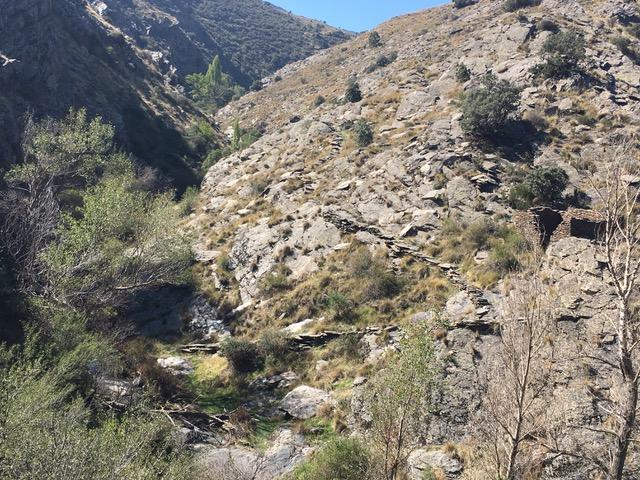 Schieferplatten ohne Ende in Baraces Von Bacares ins Tal des Barrancon